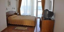 Hotel Comandor*