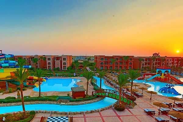 Vacanta 2021 - Hotel Charmillion Club Aqua Park