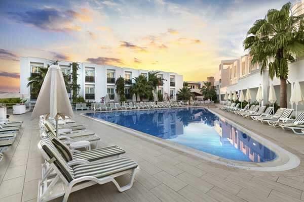 Vacanta 2021 - Hotel Shark Club
