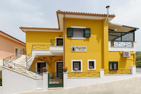 Hotel Yellow House
