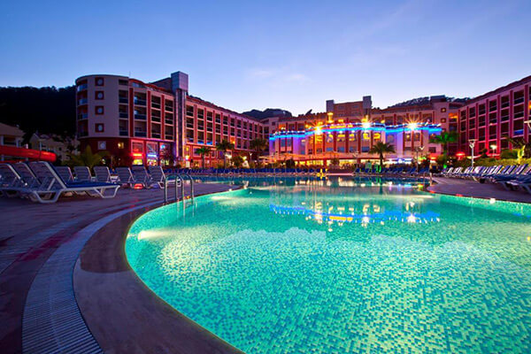 Oferte August 2021 - Hotel Green Nature Resort & SPA