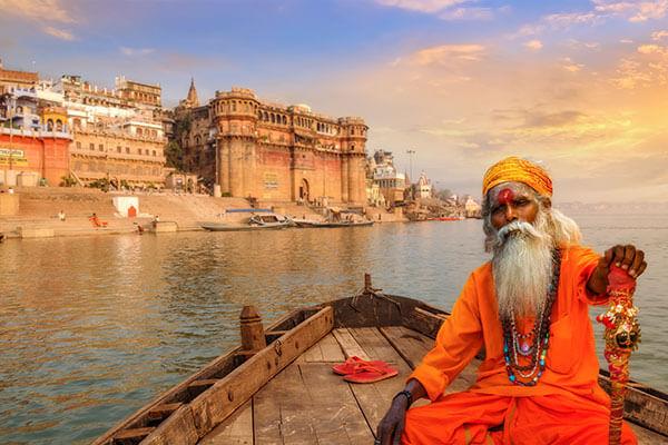 India: Triunghiul de aur si Varanasi