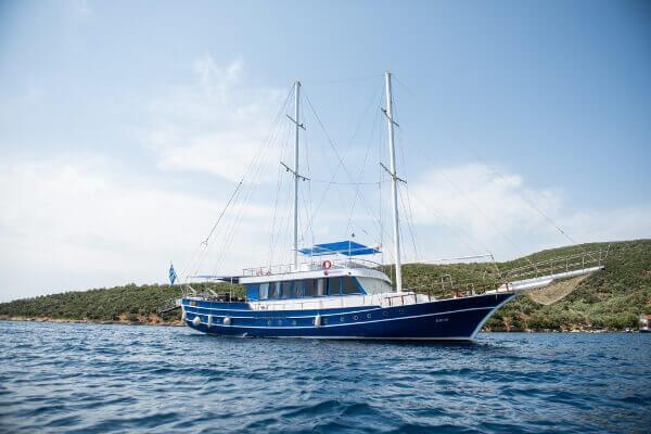 Croaziera in Marea Ionica