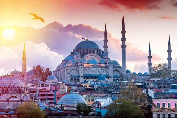 Paste in Kusadasi si Istanbul
