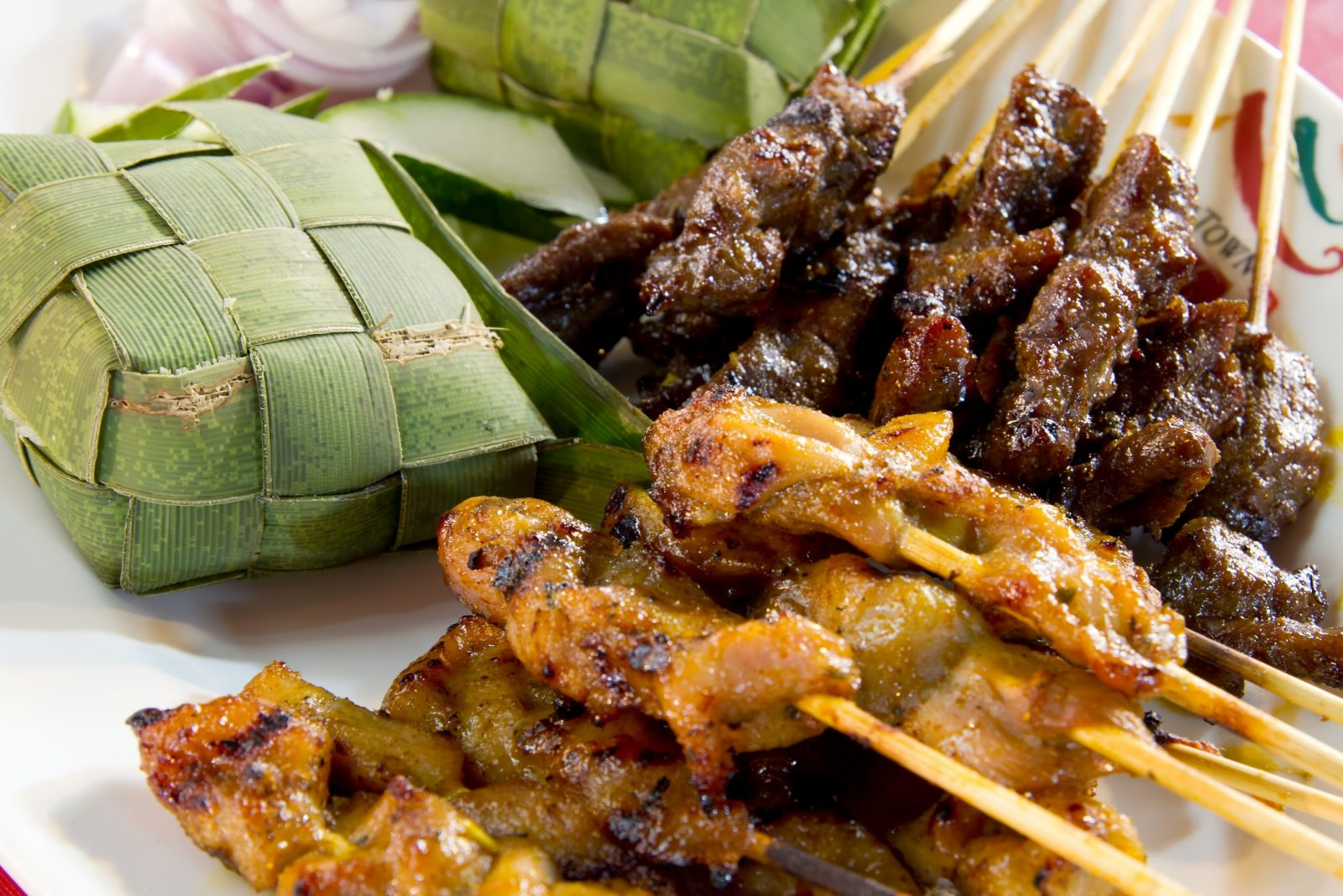 Chicken-and-Lamb-Satay-Skewers-with-Ketupat-Rice-Wrapped-in-Coconut-Leaf_ed