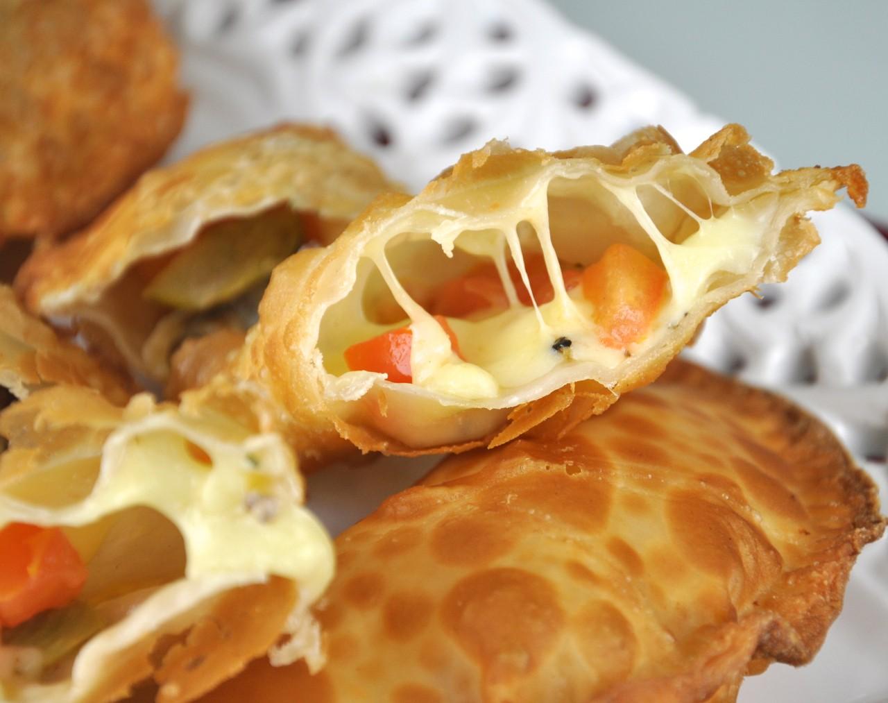 pastel-caseiro-de-feira-monta-encanta01